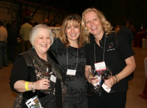 Denise Lowe, Xochitl Maiman and Eve Bushman catch up at Pinot Days in Los Angeles
